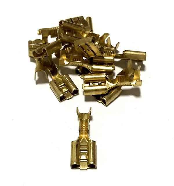 Mosazná objímka, průřez 1,5-2,5mm2 / 6,3x0,8mm