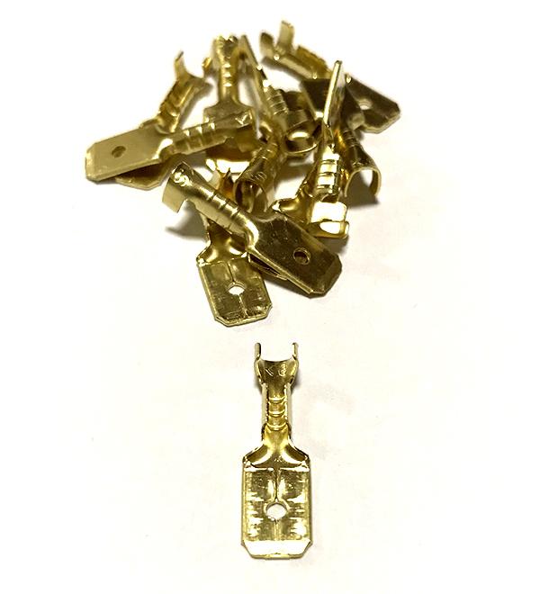 Mosazný kolík, průřez 1,5-2,5mm2 / 6,3x0,8mm